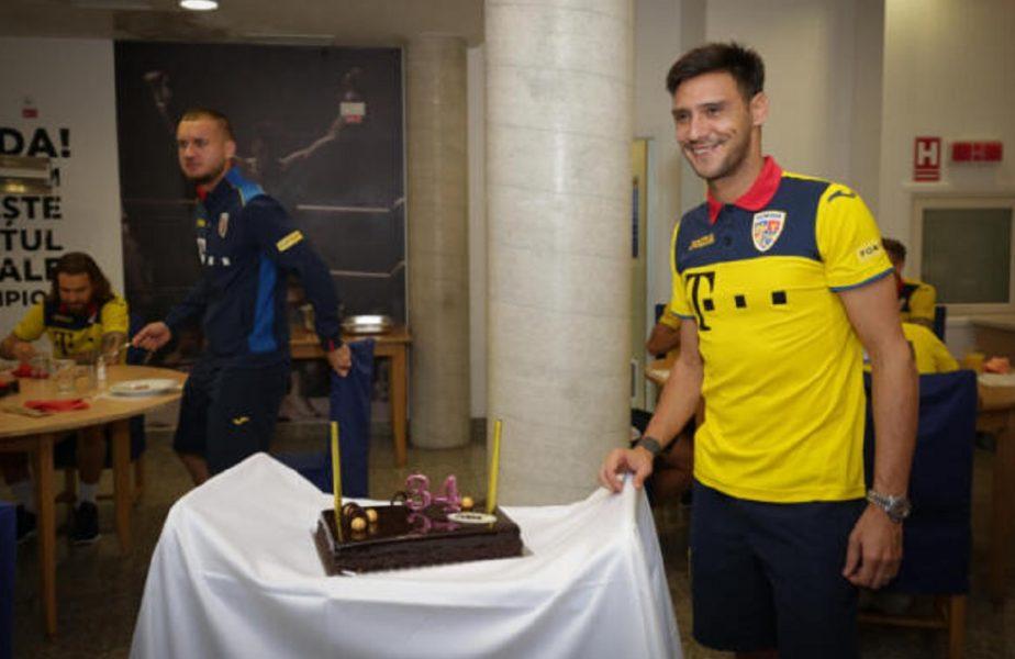 Mario Camora, sărbătorit în cantonamentul naţionalei. Tricolorii i-au pregătit o surpriză. Ce a declarat fundaşul lui CFR Cluj