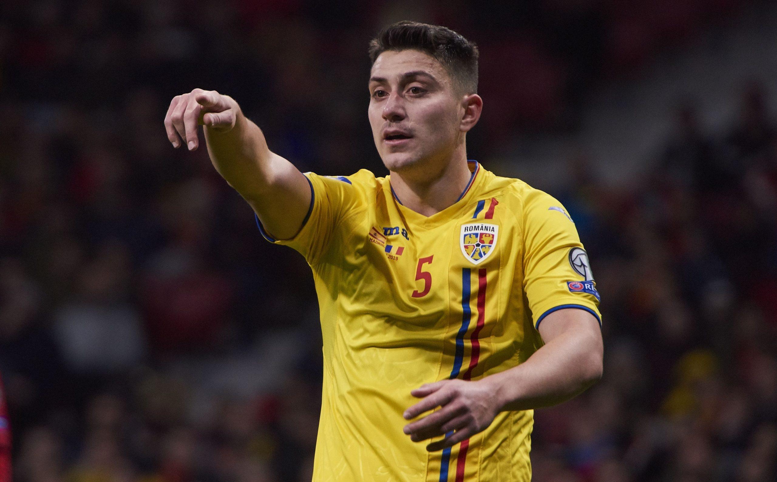 Ionuț Nedelcearu în timpul unui meci între România și Spania