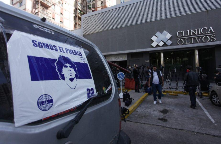"""Diego Maradona a fost externat! Cum arată """"El Pibe d'Oro"""" după operația pe creier. Cicatrice horror pentru legendarul fotbalist"""