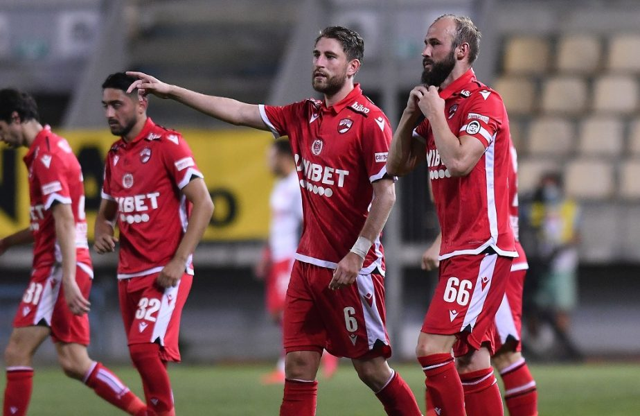 """Câini fără colți. Dinamo, egala ultimei clasate din Liga 1. """"Ne macină promisiunile nerespectate de conducere!"""""""