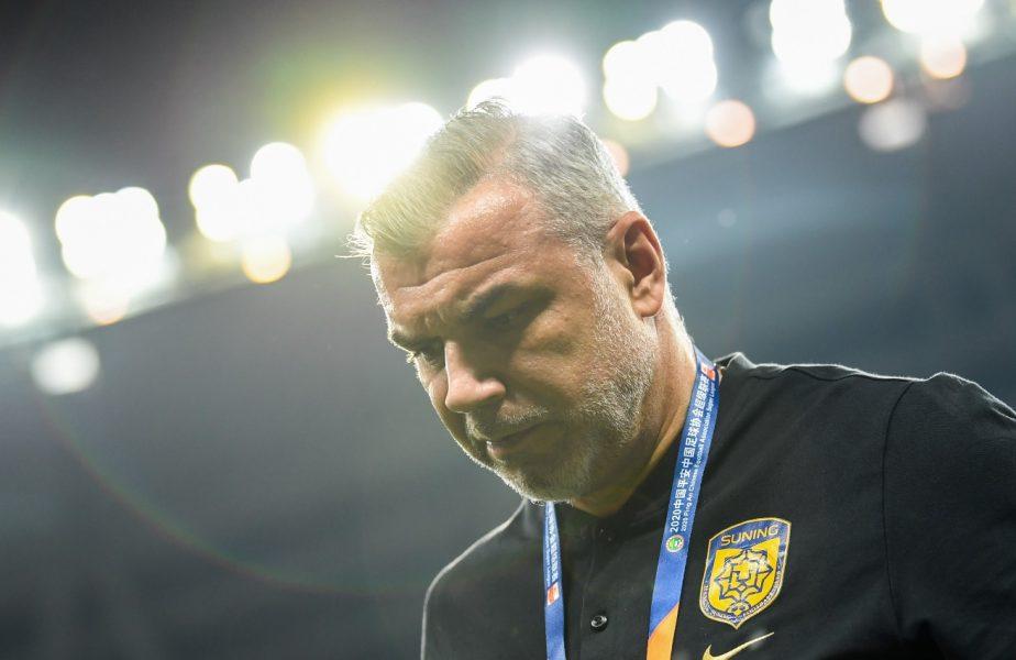 Cosmin Olăroiu, în timpul unui meci