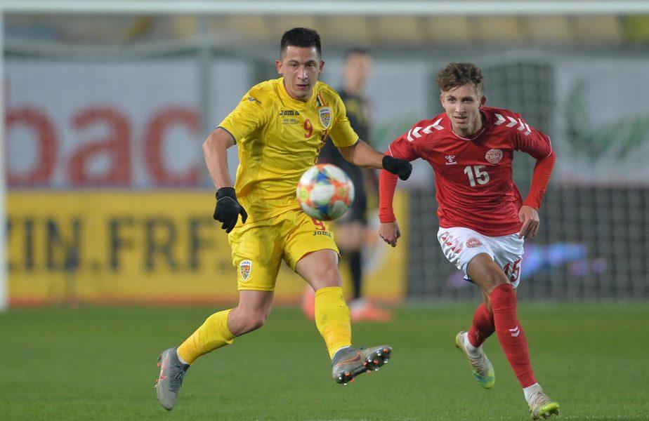 Olimpiu Moruțan în duel cu Jesper Lindstrem în meciul României U21 cu Danemarca