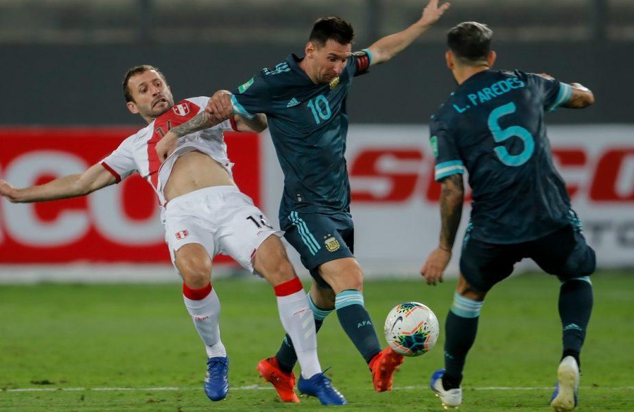 Leo Messi în timpul meciului dintre Argentina și Peru