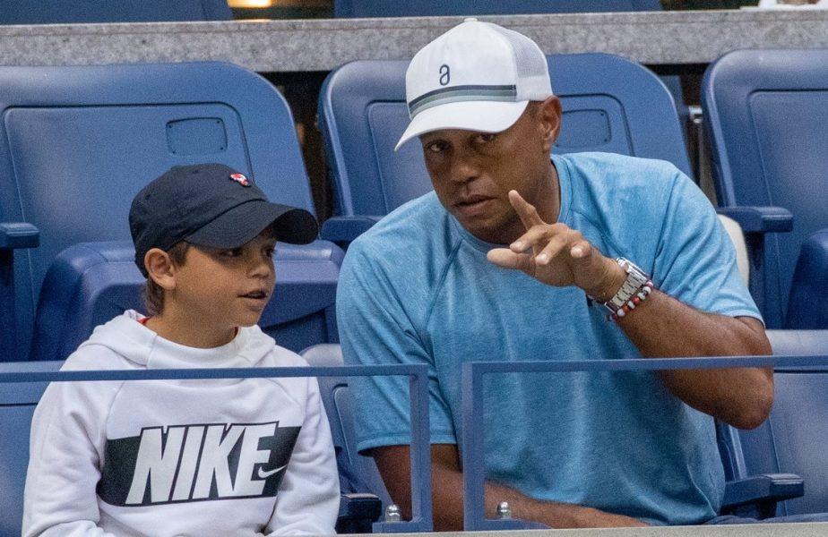 Tiger Woods și fiul său, Charlie, în timpul US Open 2019