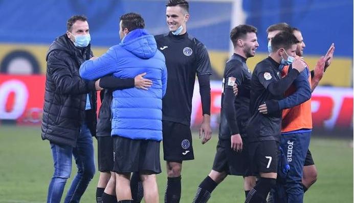 """Radu Petrescu l-a numit """"o puşcărie de jucător"""" pe Florin Gardoş. Reacţia lui Ilie Poenaru"""