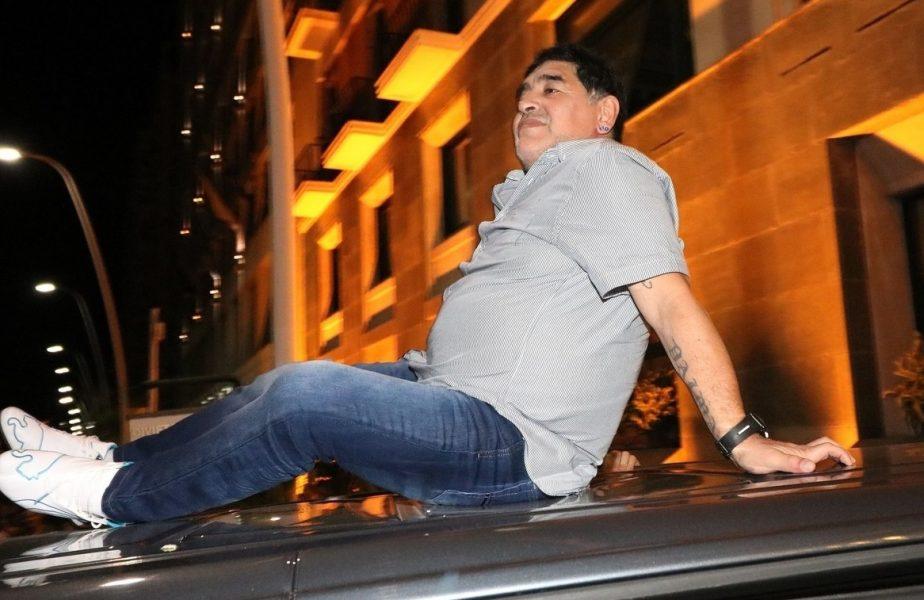 """""""Diego Maradona mi-a marcat copilăria"""". Ilie Dumitrescu, devastat după moartea lui El Pibe d'Oro. """"Nu a avut grijă de sănătatea lui"""""""