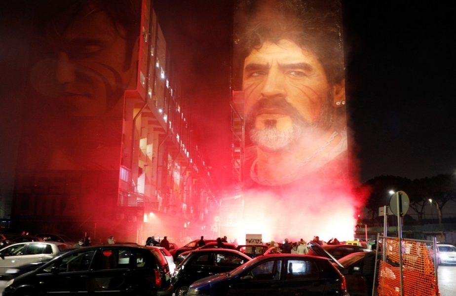 GALERIE FOTO | Tristeţe fără margini în Napoli. Italienii au aprins torţe şi candele. Stadionul va purta numele lui Maradona