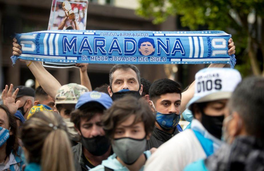 Argentinienii au ieșit în stradă pentru a-și lua rămas bun de la Diego Maradona