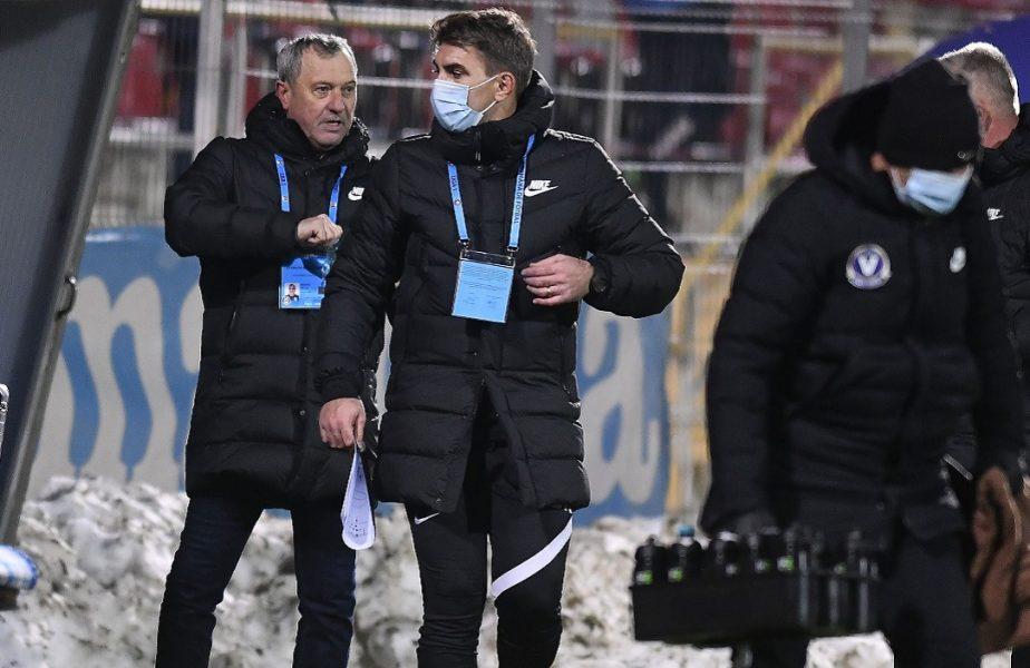 """Mircea Rednic a pus tunurile pe jucători. """"Am pasat mai mult cu portarul, cred că are probleme la aductori"""". Puriul anunţă schimbări"""