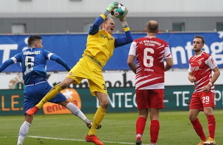 Situație uluitoare în Germania! O echipă a fost forțată să își introducă portarul ca jucător de câmp. Antrenorul nu a avut ce să facă