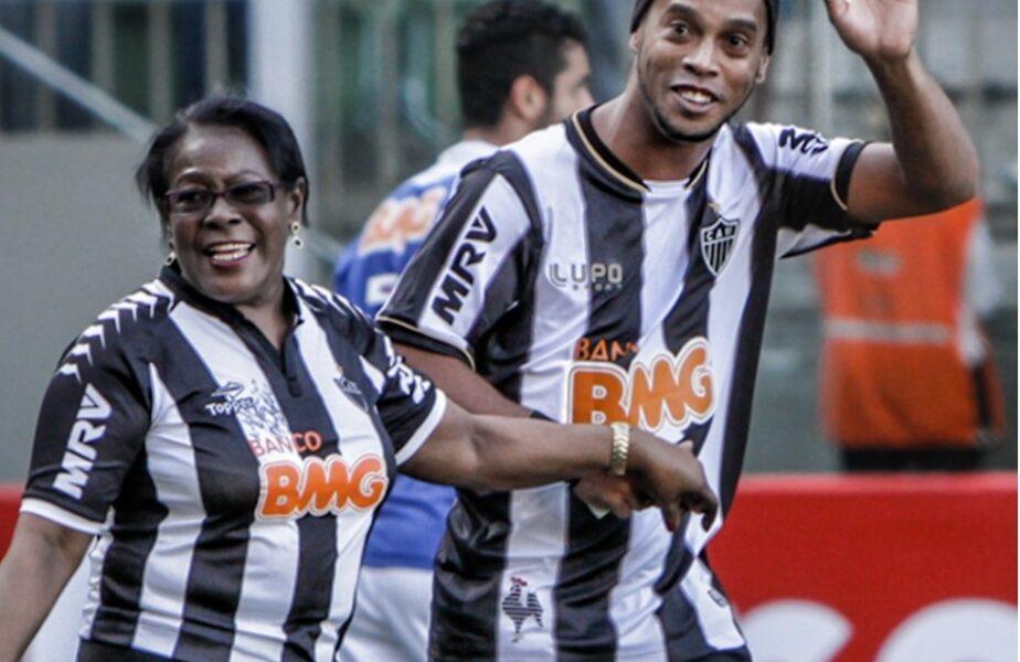 """Mama lui Ronaldinho are COVID-19! Fostul Balon de Aur a făcut anunțul pe Twitter: """"Vă mulțumesc pentru rugăciuni și afecțiune"""""""