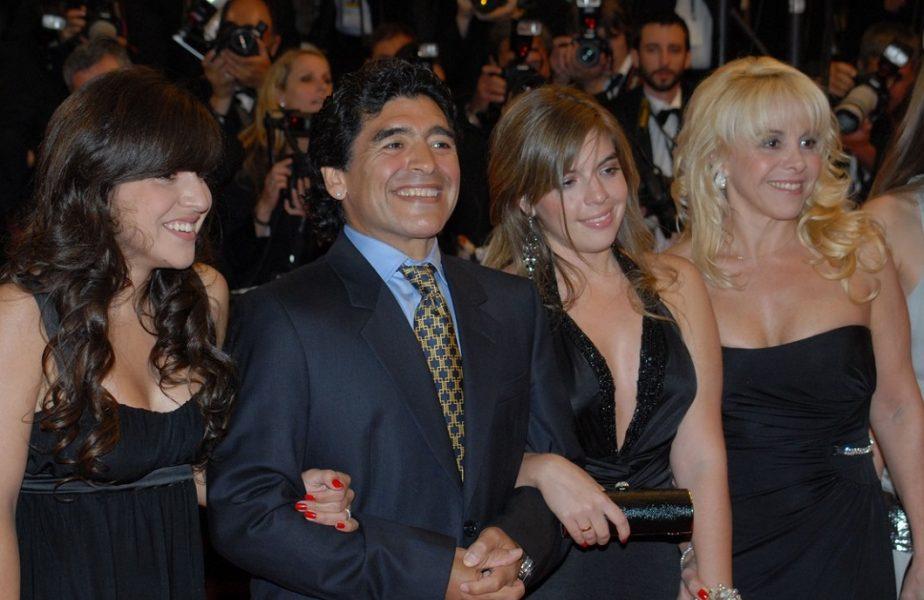 Fiica lui Maradona, atac fără precedent! Ce le-a transmis celor care i-au acuzat tatăl şi cum a dat vina pe medici