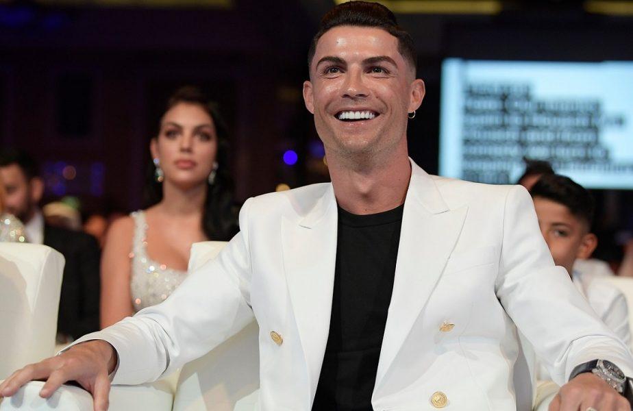 """Ronaldo l-a întrecut pe Messi! A fost desemnat fotbalistul secolului! """"Nu urmăresc recordurile, ele mă urmăresc pe mine!"""""""