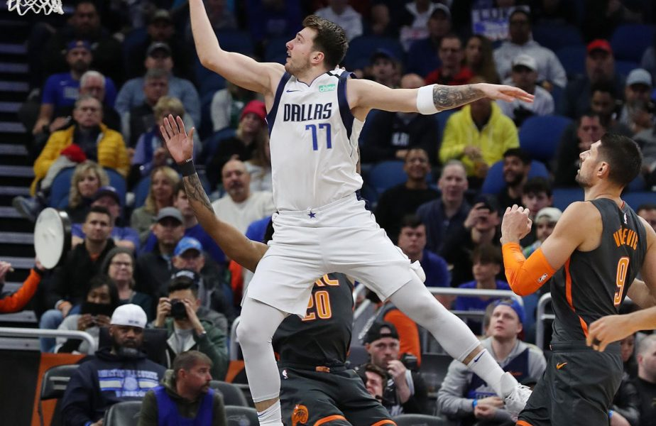 Le-au făcut coșul guler, record în NBA: 27-77 la pauză!!! Doncic s-a distrat cu Clippers!
