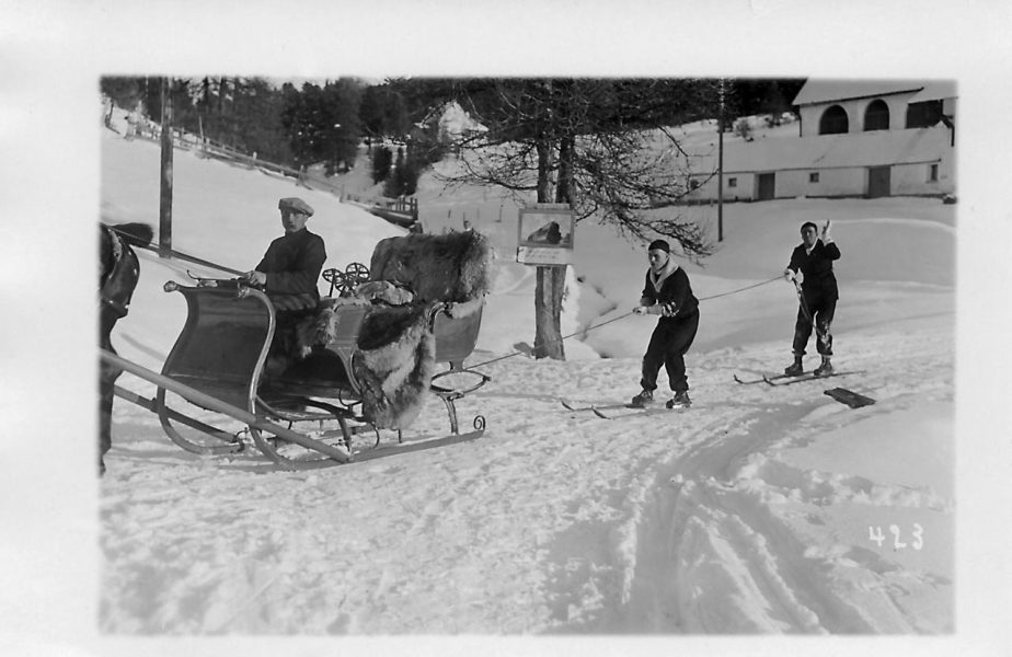 """43 de ani fără Charlie Chaplin. """"Era topit după schi. Patina prost, dar, Doamne, cum curgea pe el combinezonul!"""""""