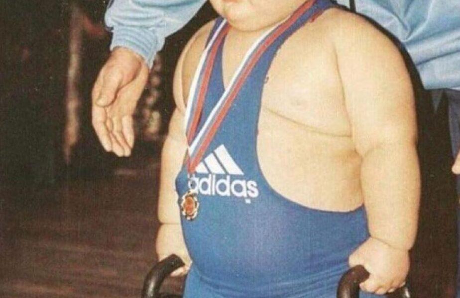 """La 7 ani avea peste 100 de kilograme! """"Cel mai greu copil din lume"""" s-a stins la 21 de ani. """"El nu e bolnav, este unic"""""""