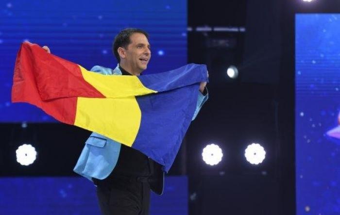 """AS.ro LIVE   Invitatul lui Cătălin Oprişan a fost Dan Negru. Poveşti savuroase cu """"Omul Revelioanelor"""""""