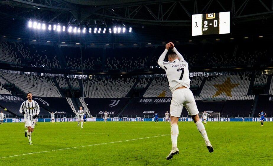 """Cristiano Ronaldo """"rupe"""" internetul. Topul în care i-a surclasat pe Lionel Messi și Neymar"""