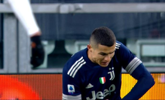Vlad Chiricheş l-a scos din minţi pe Cristiano Ronaldo, în Juventus – Sassuolo 3-1! Starul portughez, gol doar după ce românul a ieşit de pe teren