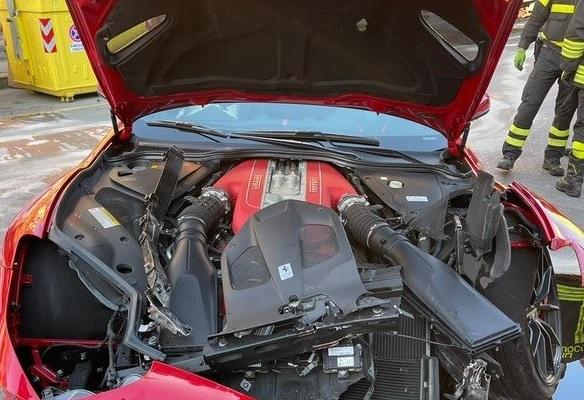 Marchetti şi-a lăsat maşina de 300.000 de euro la o spălătorie şi a găsit-o parcată într-un zid! A fost şocat când şi-a văzut bolidul
