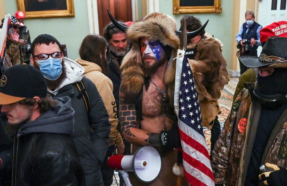 Caz șocant în Statele Unite. Un multiplu campion olimpic, surprins în asaltul asupra Capitoliului! Era îmbrăcat în echipamentul naționalei. Ce riscă