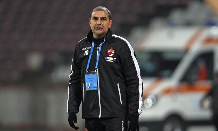 """Antrenorul lui Dinamo, discurs războinic faţă de şefi: """"Am obosit să vorbesc de spanioli"""". Ce a spus despre plecarea lui Fabbrini la CFR"""
