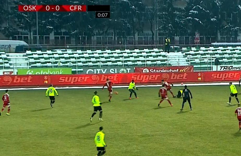 Spirite încinse în debutul meciului Sepsi – CFR Cluj. Ovidiu Haţegan a arătat cartonaşul galben după numai 7 secunde de joc!