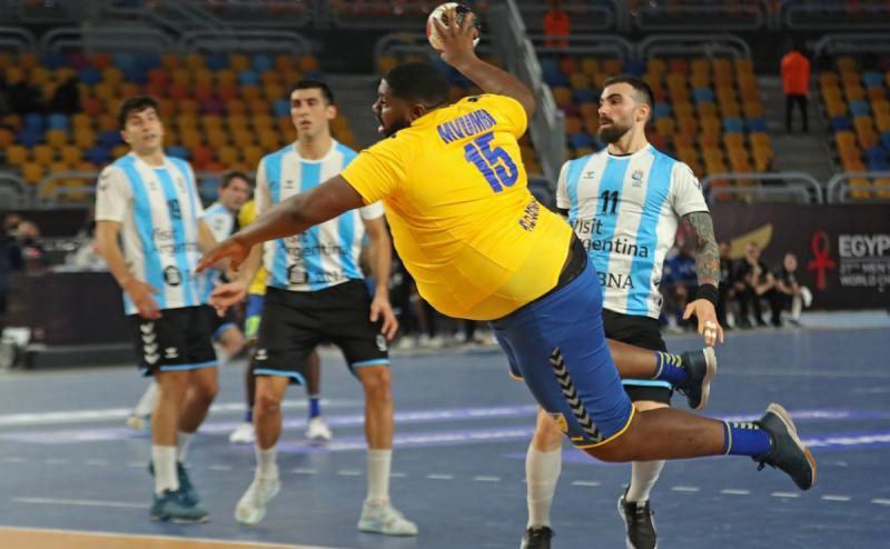 """""""Uriaşul"""" de la Mondialul de handbal a primit mesaj de la Shaquille O'Neal! Cum i-a răspuns congolezul fostului star din NBA"""