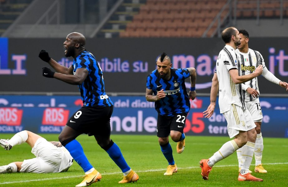 """Arturo Vidal a declanşat războiul după ce a sărutat emblema duşmanului Juventus. """"Chiellini e fratele meu şi îl iubesc"""""""
