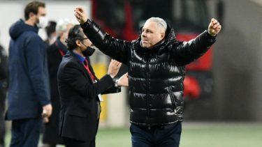 """Marius Șumudică, show total în Turcia: """"Nu sunt primar, nu sunt preşedintele clubului! Fac o fotografie cu oricine!"""""""
