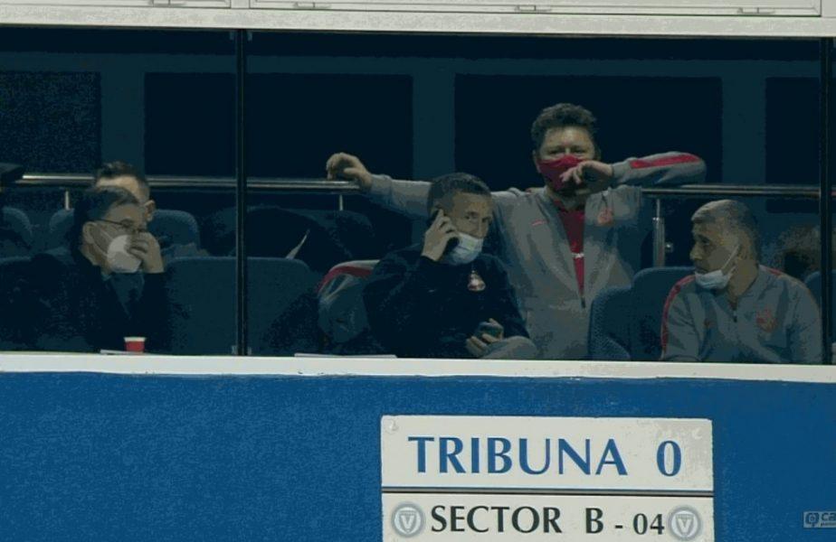 """Mihai Stoica, ţinta glumelor după telefonul de la pauză + Florin Tănase a râs de Viitorul lui Hagi. """"Nu mă aşteptam să joace aşa"""""""