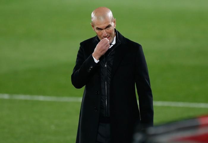 Nu se mai termină problemele pentru Zidane! După eliminarea ruşinoasă din Cupa Spaniei, antrenorul lui Real Madrid a aflat că are Covid-19