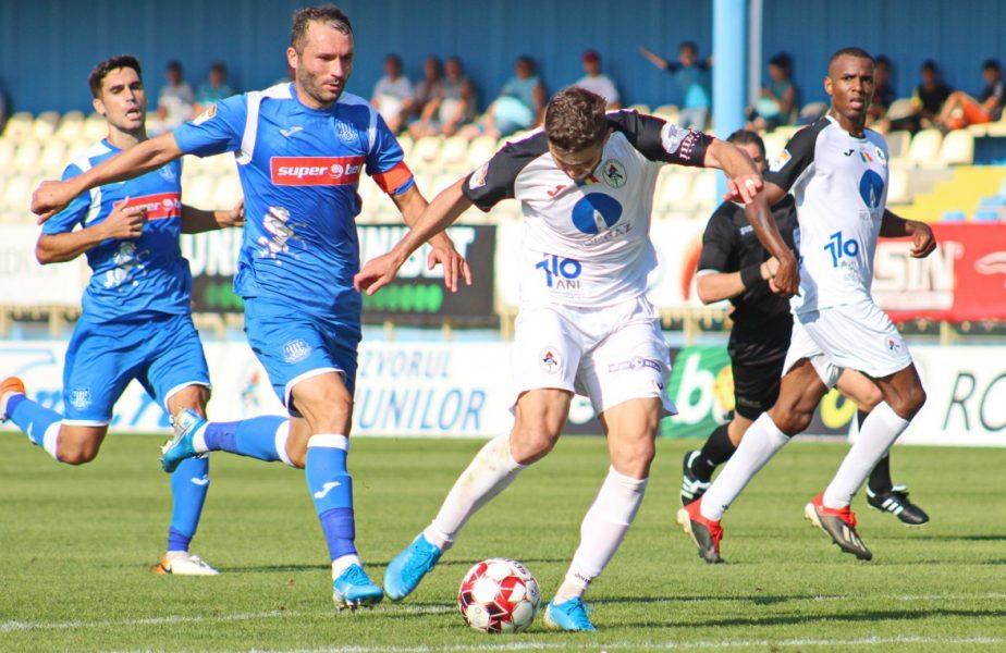 Gaz Metan – Poli Iași 2-1. Gazdele au marcat de două ori în trei minute şi l-au făcut pe Daniel Pancu să se ia cu mâinile de cap. Mediaş, la trei puncte de play-off