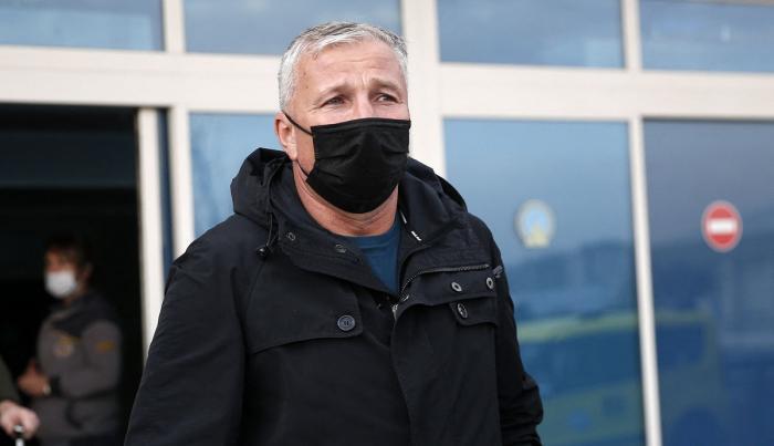 Dan Petrescu face curăţenie la Kayserispor. A renunţat la cinci jucători, chiar înaintea meciului cu Fenerbahce. Vedeta care se află pe listă