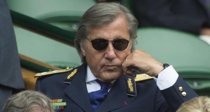 Ce face Ilie Năstase cu două milioane de euro, chiar şi după scandalul uriaş cu Ioana Năstase
