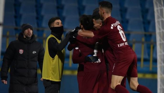 Chindia – CFR Cluj 0-1. Campioana s-a apropiat la un punct de FCSB. Păun a marcat din penalty. Gazdele au avut o bară
