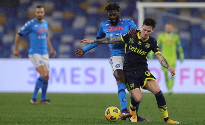 Ameninţare pentru Dennis Man! Parma a adus încă doi atacanţi. Iubita unuia dintre ei i-a cucerit deja pe italieni + Mihăilă, omul zilei la clubul din Serie A