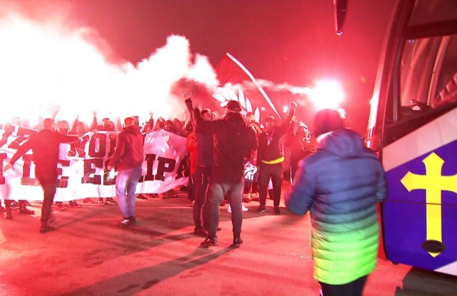 """VIDEO Dinamo – FCSB   Berceniul a luat foc înaintea derby-ului! Ultraşii FCSB, show cu torţe, scandări războinice şi mesaje ironice: """"Faceţi cheta să jucaţi / De liga a 2-a nu scăpaţi"""""""