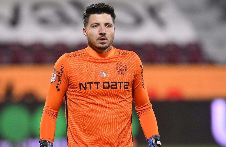 """Gafă de începător făcută de Cristi Bălgrădean. """"Pufi"""" a scăpat mingea din mână în CFR Cluj – Viitorul 2-1! I-a făcut concurenţă lui Hankic"""