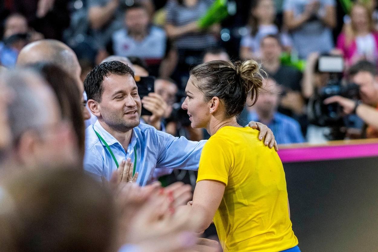 AS.ro LIVE | Cosmin Hodor este invitatul lui Cătălin Oprişan, de la 10:30. Dezvăluirile acestuia despre Simona Halep şi Gheorghe Hagi