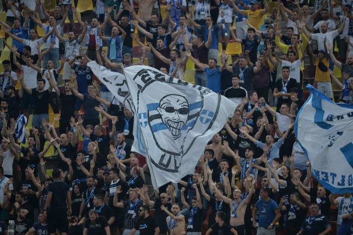 VIDEO | Imagini inedite! Fanii Craiovei au făcut show în Bulgaria! Au cântat şi au dansat înaintea derby-ului cu Dinamo