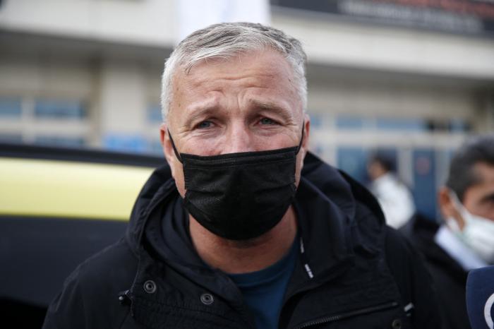 """Dan Petrescu, mulţumit după egalul lui Kayserispor: """"Nu am meritat nimic şi am luat un punct"""". Echipa sa a avut un om în plus timp de o oră"""