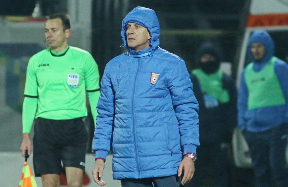 """""""Să umblu cu pastilele după mine?!"""". Emil Săndoi, în pragul unei crize de nervi! """"Îmi rup carnetul de antrenor!"""""""