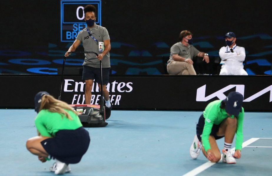 GALERIE FOTO | Imagini uluitoare din timpul meciului jucat de Simona Halep la Australian Open 2021. Ce se întâmpla pe teren