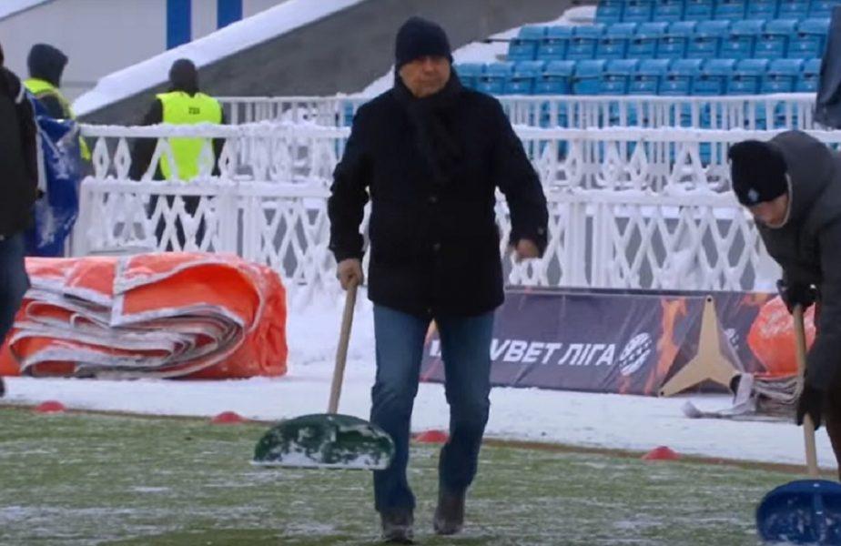 VIDEO | Imagini uluitoare! Mircea Lucescu a trecut la munca de jos. Românul a deszăpezit terenul înaintea meciului Dinamo Kiev – Olimpik Donețk 3-1
