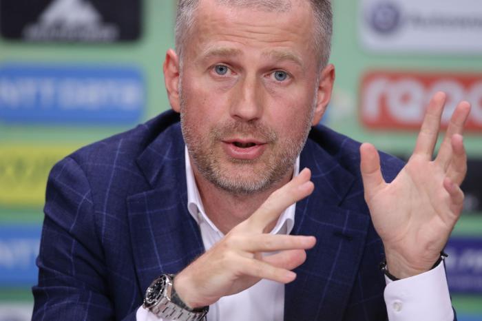 """""""A fost un arbitraj catastrofal"""". Edi Iordănescu l-a desființat pe Marian Barbu după remiza cu FC Voluntari: """"Noi vedem de la 30 de metri, tu nu vezi de la 6 metri?"""""""