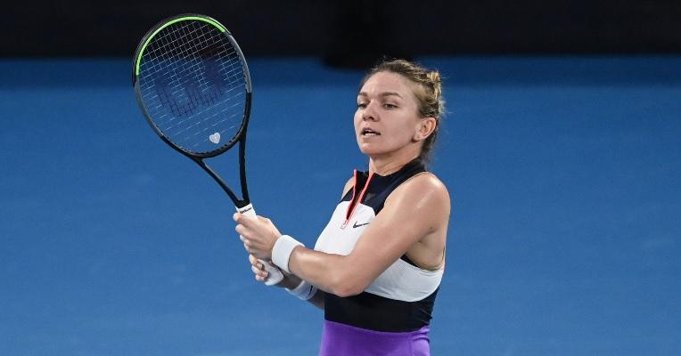 Simona Halep, în timpul meciului cu Serena Williams, de la Australian Open 2021