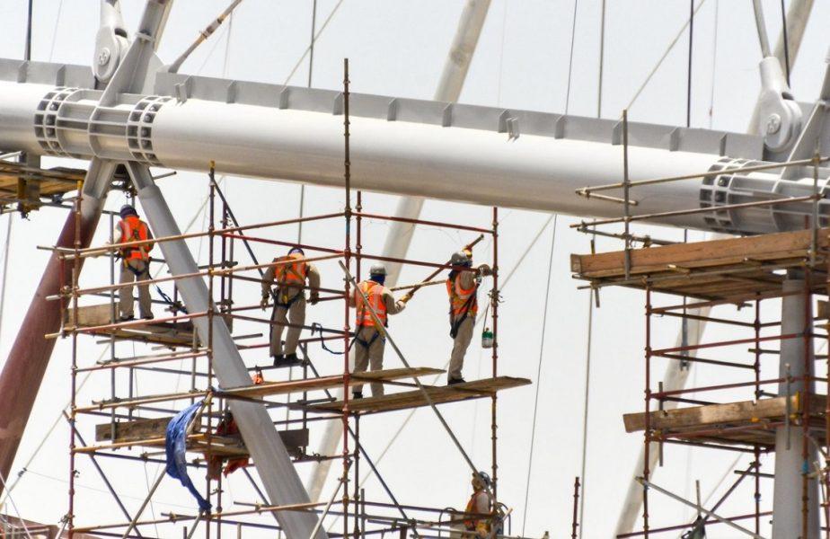 Situaţie incredibilă. 6500 de muncitori au murit la construcţia stadioanelor pentru Campionatul Mondial din Qatar!