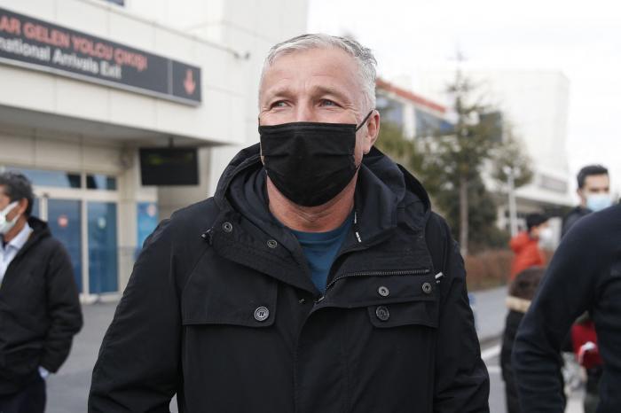 """Dan Petrescu a rupt tăcerea după plecarea de la Kayserispor: """"Nu mai pot antrena acum"""". Celtic insistă pentru serviciile lui"""