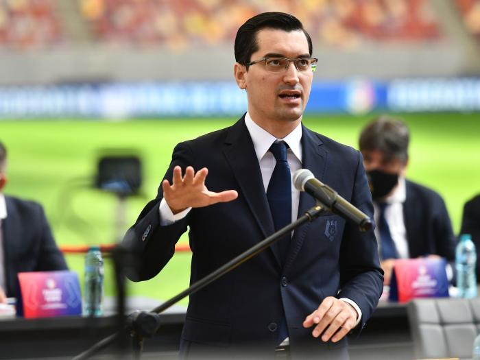 """Dinamo, ajutor nesperat din partea FRF! Cum s-a modificat regulamentul pentru licențiere. Avertismentul lui Răzvan Burleanu: """"Doar în acest sezon!"""""""